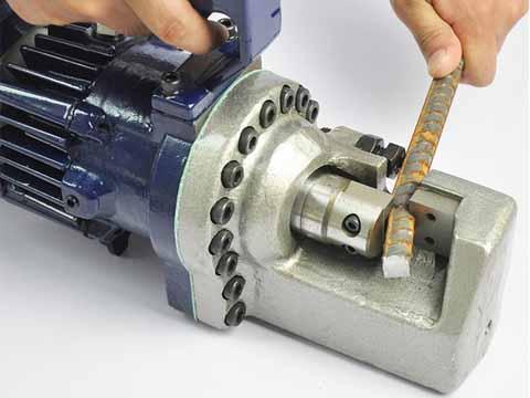 Electric bar cutter detail